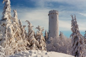 Sternsteinwarte_in_snow_2011-300x200