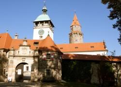 Abeceda hradů: Bouzov a Brandýs nad Orlicí